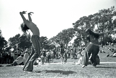woodstock-dancing